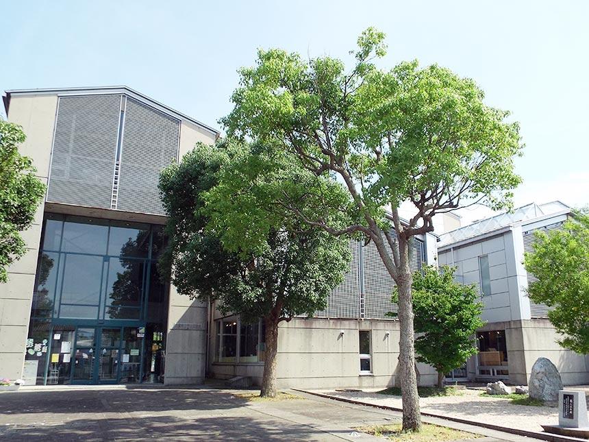 平田図書館画像